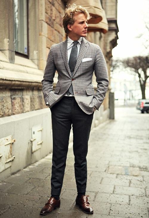 Chiếc áo thông minh cho người lưng dài chân ngắn